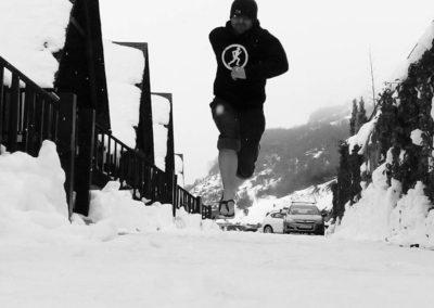 Snow barefoot running